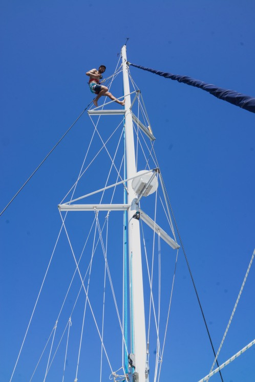 Cleaning dirty foot prints off the mast